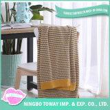編まれた投球の屋外旅行柔らかい綿の中国のプラシ天毛布