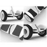 販売のハンドルのスクーターのための10inch 2車輪の自己バランスの電気スケートボード