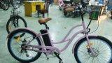 Nuova bicicletta specializzata elettrica femminile dell'incrociatore della spiaggia