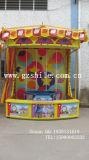 Cabina di carnevale dei giochi del parco di divertimenti delle anatre di pesca