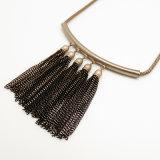 女性の衣服の一致のための卸し売り黒い金属のふさの合金のネックレス