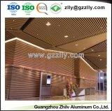 La suspension de haute qualité en aluminium Panneau de plafond décoratifs en bois avec la norme ISO9001