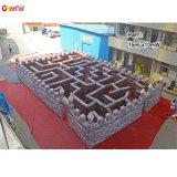 Labirinto gonfiabile gigante del grande labirinto nero gonfiabile per i capretti