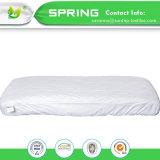 Protector del colchón del pesebre para los durmientes calientes o sudorosos - cubierta de bambú acolchada impermeable