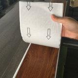 Carrelages auto-adhésifs d'étage de PVC/de vinyle avec le collant de colle