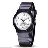 新しい方法OEMのブランドのスポーツのカスタム水晶贅沢の腕時計