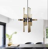 コニャックのガラス陰が付いているペンダント灯の照明シャンデリアを、居間のために、食堂ハングさせる、現代デザインホテルのレストラン