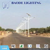 Baodeは6m30W LEDのSasoの証明書が付いている太陽街灯をつける
