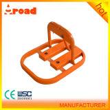 O forme manuel pour le stationnement de l'utilisation du frein de stationnement