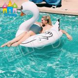 لعب قابل للنفخ يعوم بركة عوامة وحيد قرن بيضاء تمر سباحة حل