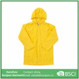 De Gele Regenjas van uitstekende kwaliteit van de Kleur voor Kinderen