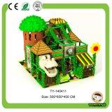 Campo de jogos interno do tema o mais novo da selva (TY-140429)