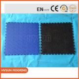 Azulejo de suelo antirresbaladizo de la corte del deporte del suelo del garage del vinilo que se enclavija