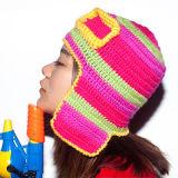 おかしい試験ハンドメイドの編む編まれた冬の帽子