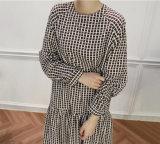 As mulheres novas da manta da forma do OEM plissaram o vestido