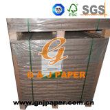 La pulpa de madera desnuda Woodfree reciclado de papel con el embalaje de palet