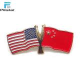安い昇進項目米国および中国の十字のフラグの折りえりPin