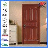 As portas interiores dirigem a madeira indiana da ferragem que cinzela portas