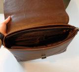 Competativeの価格レトロ様式の狂気の馬PUの人のための革ショルダー・バッグのメッセンジャー袋