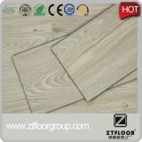 Pavimentazione di plastica del PVC del laminato di legno di sguardo fatta in Cina