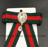 Последнюю версию мода для продажи Rhinestone Brooch Brooch для женщин костюмы Bowknot Brooch красного и зеленого цвета (CB-01)