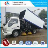 小型道掃除人のトラック。 販売のための真空の道路掃除人のトラック