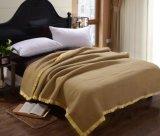 Preço de fábrica por grosso cobertor de poliéster para Hotel, Hospital, Enfermagem, Avião