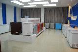 上の開放された箱の冷凍庫の冷凍庫