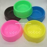 Aliments pour chiens de chat et cuvette en plastique fixes de l'eau pour des cages de chats de crabots