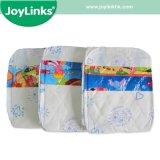 Pañales desechables de bebé con una hermosa placa trasera y frontal de cintas con Cute Graphics