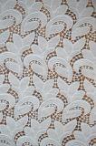 Tela material do laço do poliéster com projeto do teste padrão de Embroidry da folha