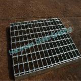 Goed-verpakte die Grating van het Staal als Drainage van de Weg wordt gebruikt