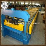 機械を形作る台形屋根または壁パネルロール