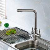 Le nickel d'épurateur de filtre d'eau de Flg a balayé le taraud de bassin de cuisine