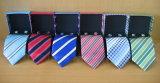 Moda masculina 100% Micro gravatas de polietileno com caixa de oferta