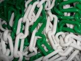 백색과 녹색에 있는 플라스틱 사슬