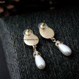 女の子のための安いはめ込まれたラインストーンの合金のイヤリングの水低下の真珠