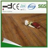 plancher allemand imperméable à l'eau ciré de stratifié de technologie de HDF gravé en relief par 12mm