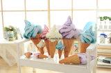 Cuscino farcito a forma di cono del giocattolo dell'alto gelato di simulazione
