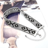Witte Zwarte Met de hand gemaakt haakt de Geometrische Halsband van de Nauwsluitende halsketting van het Patroon