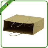 Bolso de papel de Brown / Kraft con la manija para el embalaje al por mayor del paño