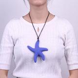 方法海星の女性のための吊り下げ式のシリコーンのネックレスの宝石類の新しく物質的なネックレス