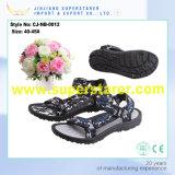 As sandálias as mais atrasadas do verão de EVA do projeto, sandálias da cor de Camo dos homens