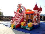 普及した膨脹可能なピンクの壁の警備員、子供のためのスライドが付いている膨脹可能な弾力がある城