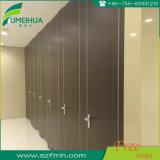 18 millimètres d'épaisseur HPL imperméabilisent le panneau de partition de toilette