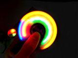 Juguete luminoso divertido del girocompás de las yemas del dedo