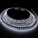 5m 600LEDsのSMD 2835 LEDの適用範囲が広いストリップ