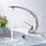 Faucet escovado niquelar da bacia do banho
