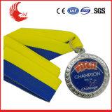 Médailles rondes promotionnelles estampées par coutume avec la lanière 100% de polyester