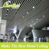 Художнический пожаробезопасный линейный потолок металла для украшения крыши